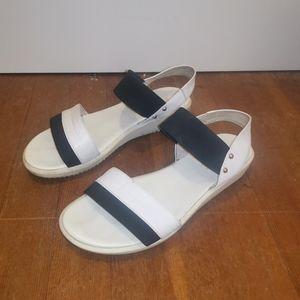 BeLLe black and white summer sandals